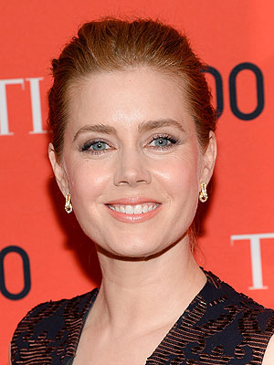Amy Adams Gives Up Her First Class Seat for a Soldier | Amy Adams