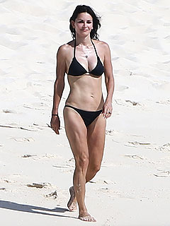 See Courteney Cox Looking Fab (at 50!) in a Bikini | Courteney Cox