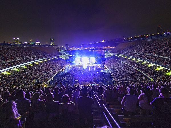 Luke Bryan Sets Stadium Ticket Sales Record at Pittsburgh's Heinz Field| Country, Dierks Bentley, Lee Brice, Luke Bryan