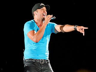 Luke Bryan Sets Stadium Ticket Sales Record at Pittsburgh's Heinz Field