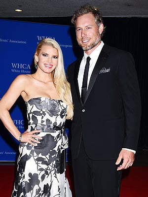 Jessica Simpson Marries Eric Johnson!