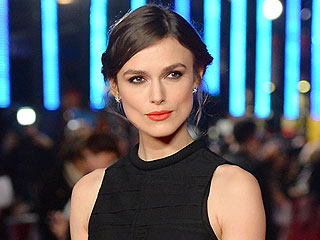 Man Disrupts Keira Knightley's Broadway Debut, Throws Flowers on Stage