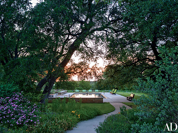 bush house 2 600 George and Laura Bush Offer Rare Peek Inside Crawford Ranch