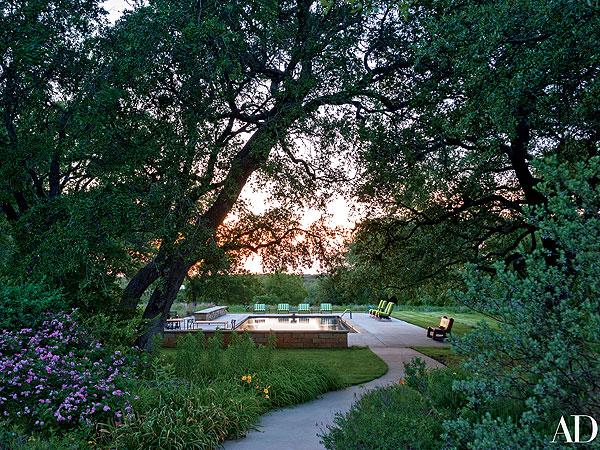 George and Laura Bush Offer Rare Peek Inside Crawford Ranch| George W. Bush, Laura Bush