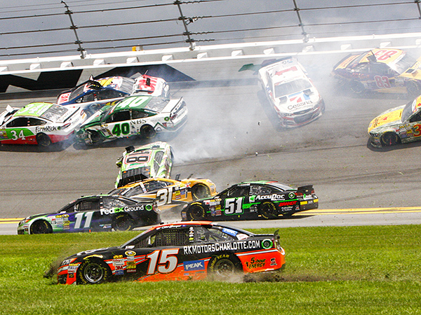 VIDEO: Big Crash at Daytona Takes Out Top Nascar Drivers
