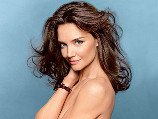Katie Holmes Savors Singlehood, Calls Love for Daughter Suri 'Overwhelming'