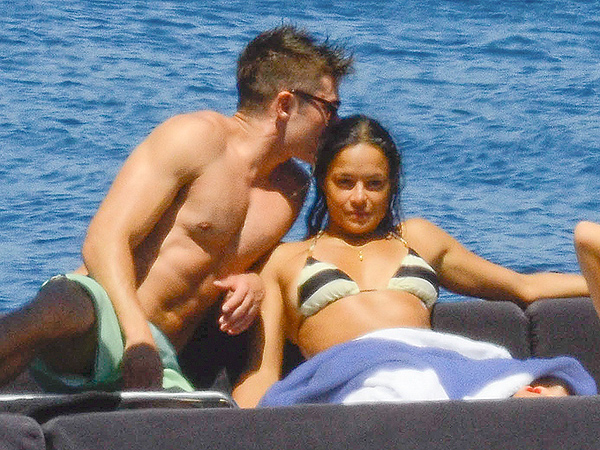 Inside Zac Efron and Michelle Rodriguez's PDA-Filled Italian Vacation| Couples, Michelle Rodriguez, Zac Efron