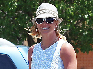 Britney Spears Accidentally Dines and Dashes at The Cheesecake Factory