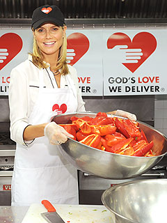 Heidi Klum Serves Meals to Sick Families: 'I Want to Put Smiles on Faces'