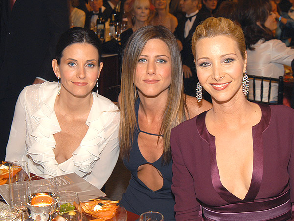 Inside Jennifer Aniston, Lisa Kudrow & Courteney Cox's Friends Reunion Dinner