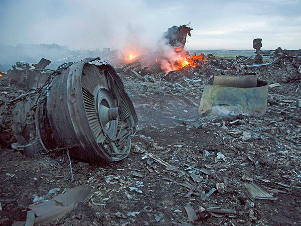 Six Devastating Photos from the Wreckage of the Malaysia Airlines Plane Crash| Death, Malaysia Airlines Flight 17, Malaysia Airlines Flight 370, Personal Tragedy, Barack Obama