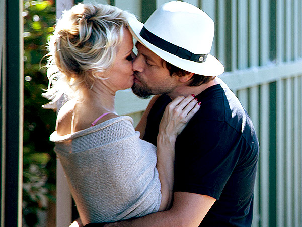 What Split? Pamela Anderson and Rick Salomon Kiss One Week After Divorce Filing | Pamela Anderson, Rick Salomon