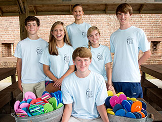 Heroes Among Us: Georgia Teens Help the Homeless – with Flip-Flops!