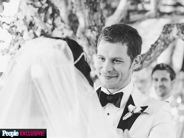 Joseph Morgan Marries P
