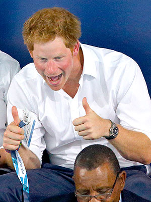 See Prince Harry's Hilarious Commonwealth Games Photobomb