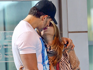 PHOTO: Sofia Vergara & Joe Manganiello Turn Up the Heat in Miami with a Kiss