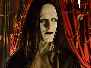 The Strain Recap: The Vampires Are Here, and They're Hungry