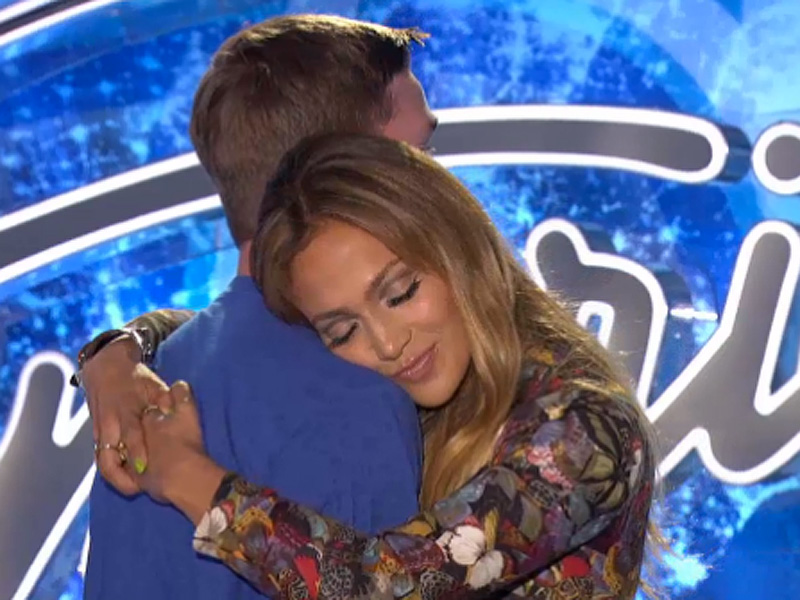 American Idol Season 14: Jennifer Lopez  Slow-Dances with a Contestant (Video)