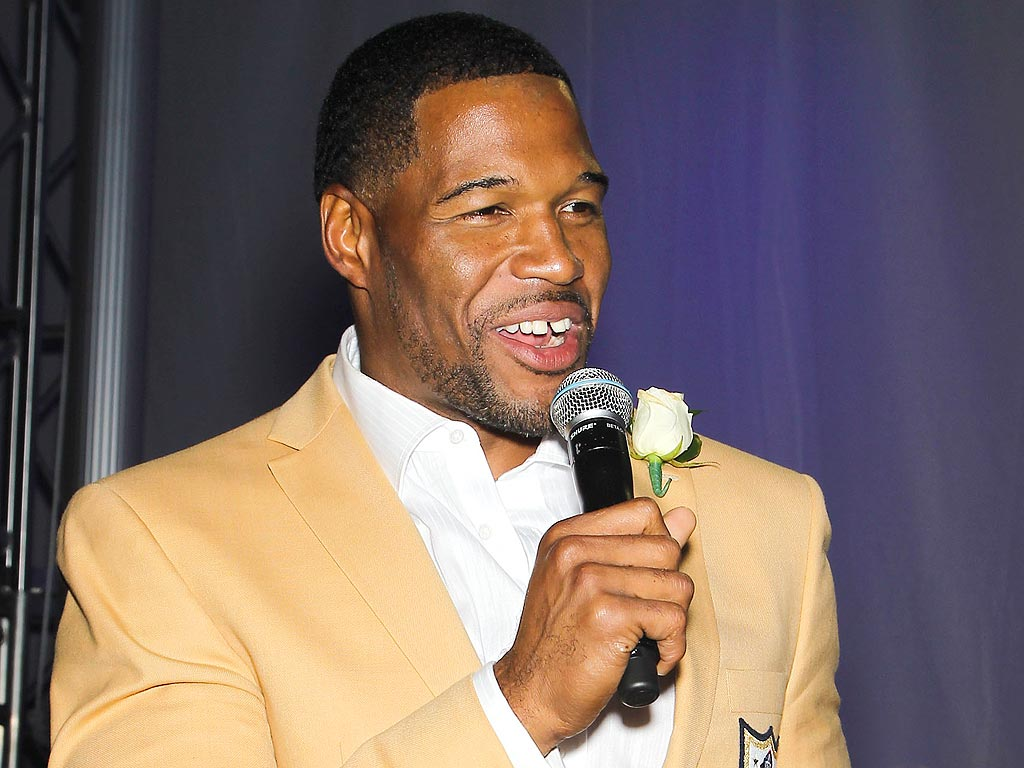 Michael Strahan Makes Emotional Speech at Pro Football Hall of Fame