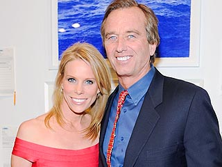 Cheryl Hines MarriesRobert F. Kennedy Jr.