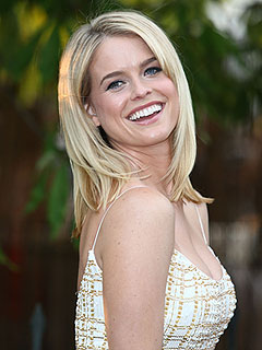 Alice Eve Is Engaged – to Her High School Sweetheart!