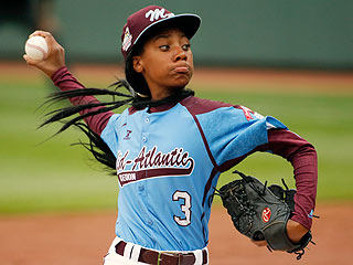 Little League Sensation Mo'ne Davis Makes the Cover of Sports Illustrated