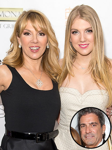 Avery Singer, Ramona's Daughter, Embarrassed by Dad Mario Amid Parents' Split