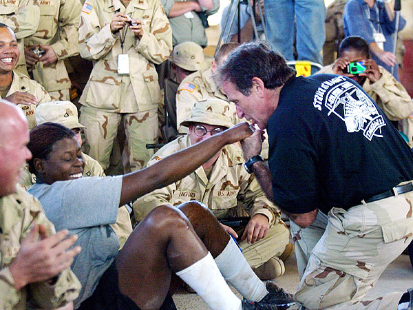 Remembering Robin Williams: How He Brought Joy to American Troops on USO Tours| Death, War, War in Iraq, Barack Obama, Military and Soldiers, Robin Williams