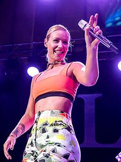 Iggy Azalea Falls Off Stage During MTV VMA Benefit Concert | Iggy Azalea
