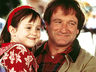 Robin Williams's Mrs. Doubtfire Costar Mara Wilson Pens Touching Tribute