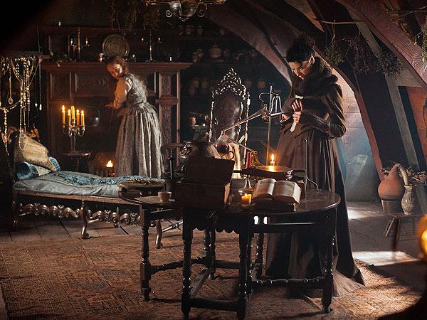 Outlander Recap: Claire Performs a Medical Miracle| STARZ, Outlander, TV News
