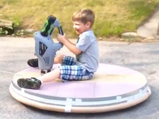 The Must-Have Toy of the Summer? A Homemade Hovercraft (VIDEO)