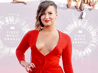 Demi Lovato: 'Don't Say Women Suck'