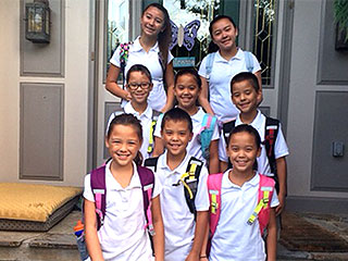 Growing Up Fast: Gosselin Kids Take First Day of School Picture | Kate Gosselin