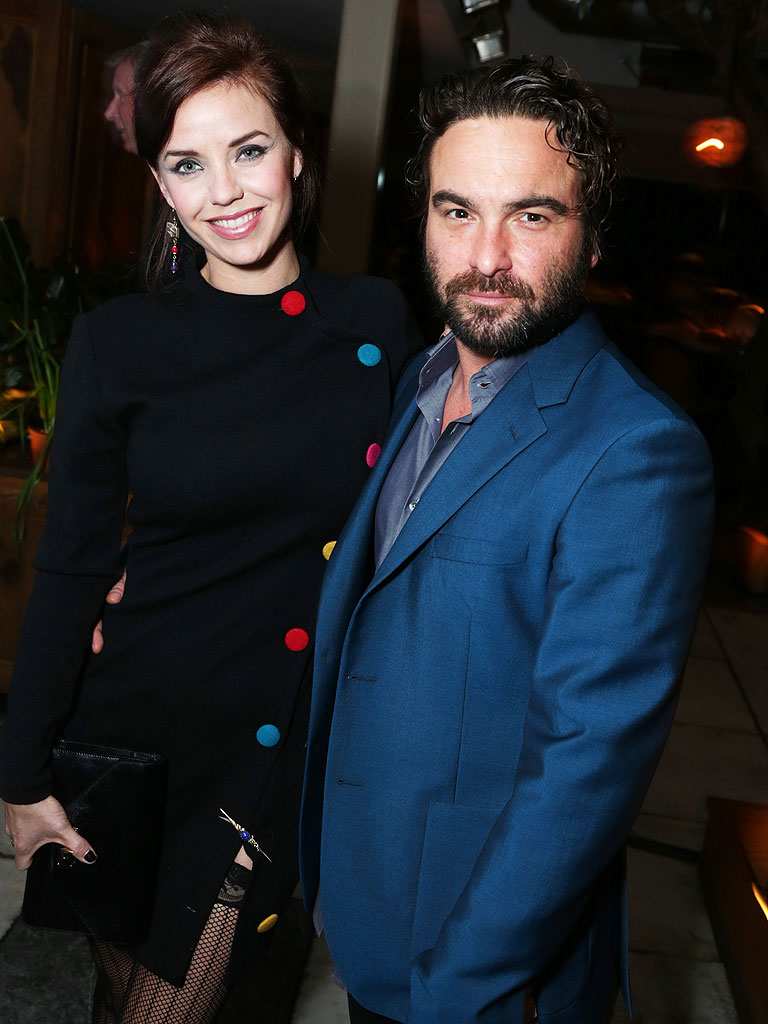 Johnny Galecki Splits from Kelli Garner - Breakups, Pan Am ...