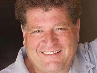 Stephen Lee, Actor on Seinfeld and Nash Bridges, Dies