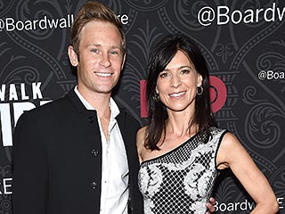 Entourage's Perrey Reeves Is Engaged | Perrey Reeves