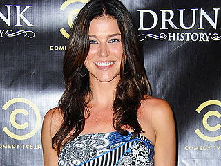Adrianne Palicki Is Engaged!