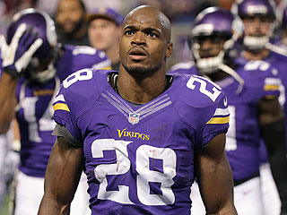 Minnesota Gov. Mark Dayton: Adrian Peterson's Actions 'Are an Embarassment'