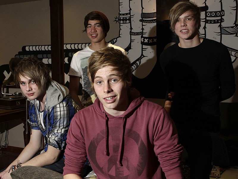 What's It Like Being in the Studio with 5 Seconds of Summer?| 5 Seconds of Summer, One Direction