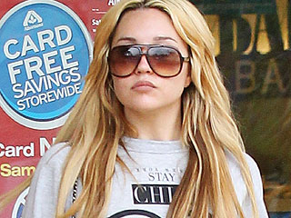 Judge Extends Amanda Bynes's Psychiatric Hold