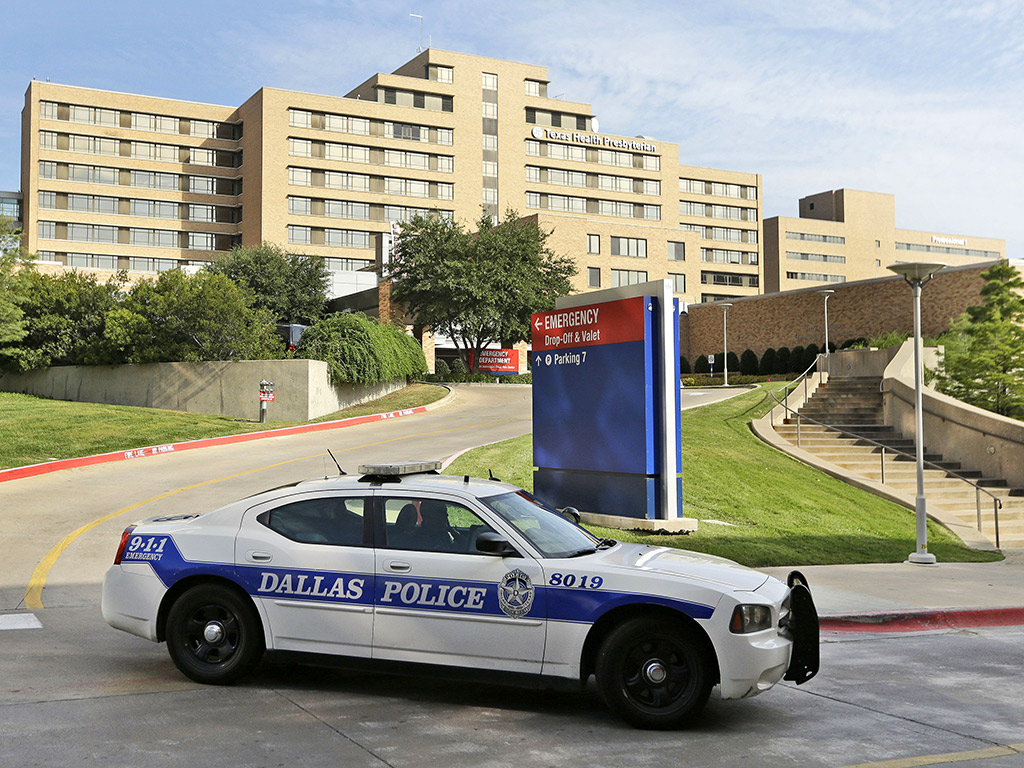 Texas Health Care Worker Tests Positive for Ebola: Officials
