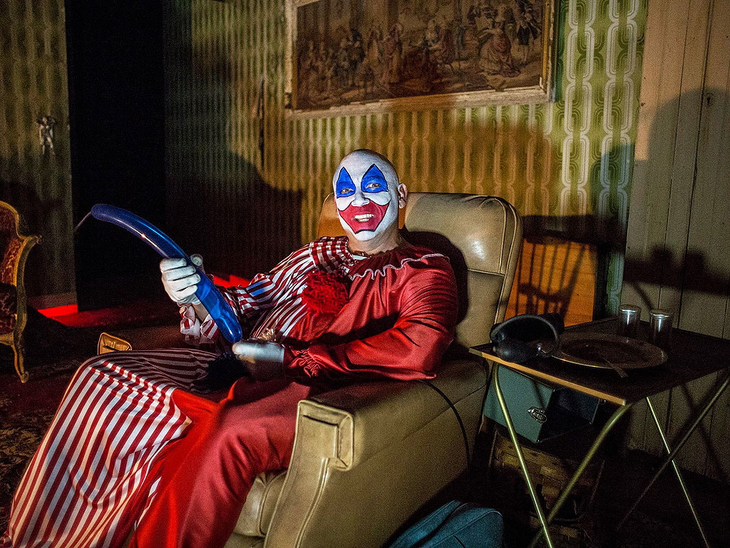 gacy room in illinois haunted house stirs controversy