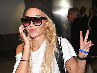 Amanda Bynes's Parents Are 'Happy She's Safe' as Psychiatric Hold Is Extended | Amanda Bynes