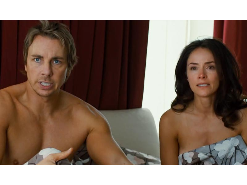 How Kristen Bell Helped Dax Shepard Prepare for His Nude Scene (VIDEO)