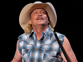 Man of the Mullet! Alan Jackson Goes Retro Onstage in Nashville | Alan Jackson