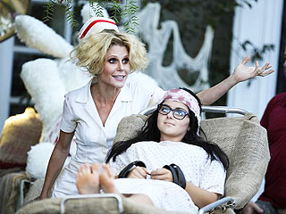 Catch This Sneak Peek of Modern Family's Spooky (& Sexy) Halloween Episode