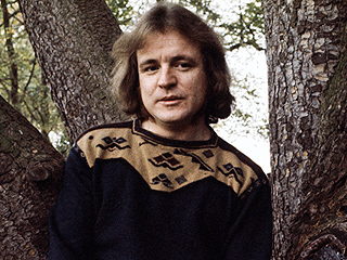 Cream Bassist Jack Bruce Dies at 71