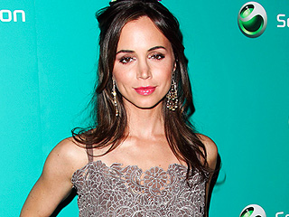 Eliza Dushku Robbed at Comic Con