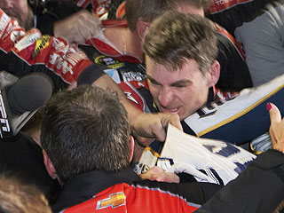 NASCAR's Jeff Gordon and Brad Keselowski Take Part in Post-Race 'Melee' (VIDEO)
